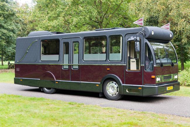 Staatsievervoer Uitvaartbus